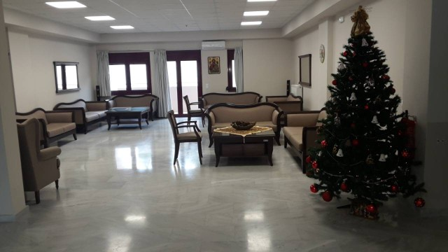 Ο πρώτος χριστουγεννιάτικος στολισμός στο Κέντρο Φροντίδας Ηλικιωμένων